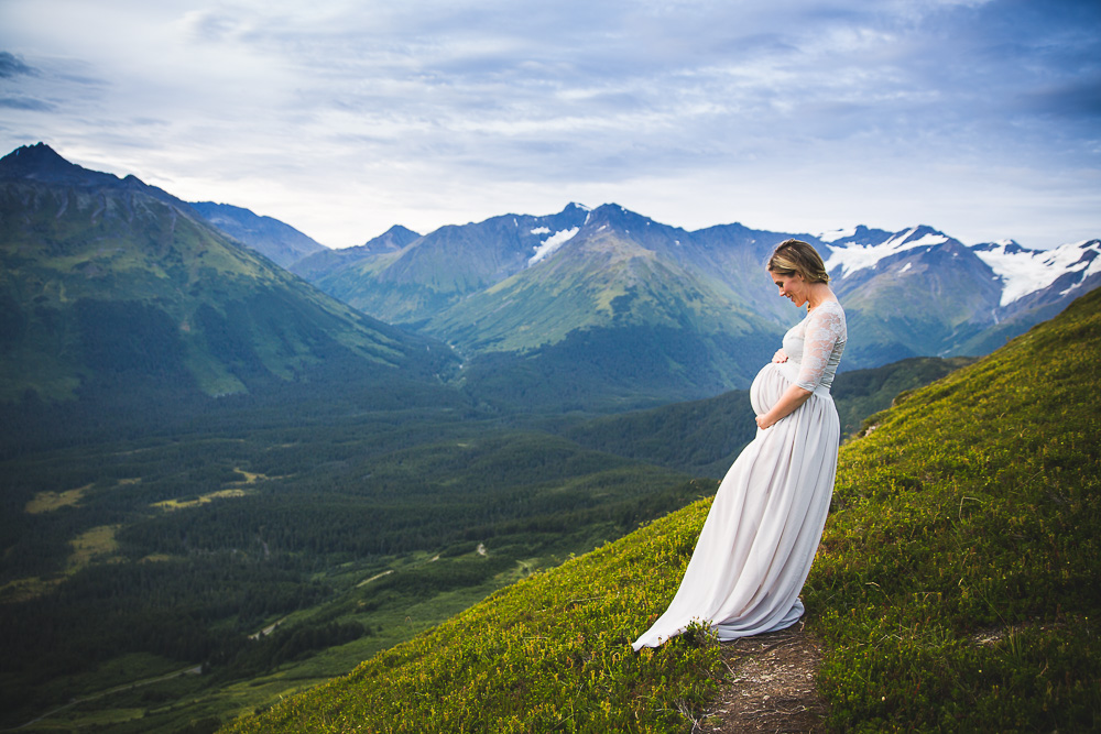 Mountain Momma – Maternity Session | Girdwood Maternity Photographer | Marilyn Jeffers Photography