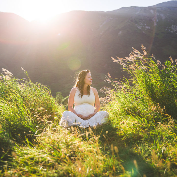 Mountain Maternity | Epic Maternity Photos in Anchorage & Girdwood Alaska | Marilyn Jeffers Photography